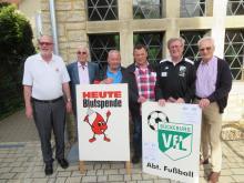 Blutspendeaktion DRK+VfL Bückeburg in Bad Eilsen: Peter Lampe, Erich Schwaze, Klaus Feldhaus, Hansi Lücke, Hans-H.Hansen u. Karl-Heinz Drinkhut