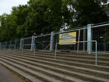 Bau des Tribünendaches im Jahnstadion