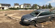 Der verwüstete Sportplatz des SV Walporzheim wartet auf den Wiederaufbau